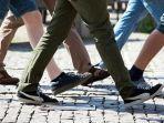 mengapa-berjalan-kaki-dapat-mencegah-penyakit-kanker-usus-kenali-gejala-kanker-sejak-dini.jpg