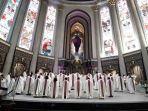 mgr-agustinus-agus-ungkapkan-dalam-homilinya-pada-perayaan-ekarisiti-pembaruan-janji-imamat.jpg