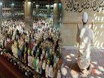 niat-sholat-tarawih-berjamaah-dan-sendiri-hukum-melaksanakan-sholat-tarawih.jpg