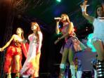 panggung-penyanyi-dangdut_20160101_051104.jpg