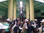 para-peserta-program-smn-2019-mengunjungi-tugu-khatulistiwa.jpg