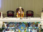 pastor-dedo-da-gomez-sj-memimpin-misa-malam-paskah-secara-online.jpg
