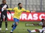 pemain-brazil-neymar-jr-melakukan-selebrasi-setelah-mencetak-gol-kegawang-peru.jpg