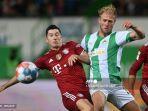 pemain-fuerth-sebastian-griesbeck-liga-jerman-bayern-munchen-robert-lewandowski.jpg