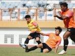 pemain-saat-mengikuti-proses-seleksi-tim-nasional-indonesia-u-19.jpg