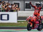 pembalap-italia-francesco-bagnaia-merayakan-kemenangannya-setelah-1.jpg