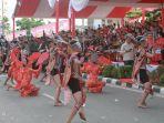 penari-festival-cap-go-meh_20180302_143811.jpg<pf>penari-festival-cap-go-meh_20180302_144327.jpg<pf>penari-festival-cap-go-meh_20180302_144013.jpg<pf>penari-festival-cap-go-meh_20180302_144422.jpg