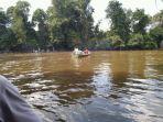 pencarian-korban-tenggelam-di-sungai-tayan-kabupaten-sanggau-senin-842019.jpg