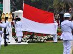 pengibar-bendera-merah-putih-pada-saat-upacara-proklamasi-kemerdekaan-indonesia-adalah-disebut.jpg