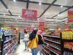 pengunjung-transmart-kubu-raya-yang-sedang-berbelanja.jpg