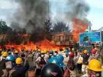 peringatan-may-day-ricuh-aksi-ratusan-buruh-diwarnai-pembakaran-kantor-dirusak-dan-dijarah.jpg
