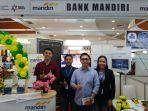 pic-stand-bank-mandiri-rury-irwan_20181028_181559.jpg