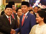 presiden-joko-widodo-joko-widodo-berjabat-tangan-dengan-menteri-pertahanan-prabowo-subianto.jpg