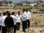 presiden-jokowi-kunjungi-korban-bencana-alam-palu.jpg