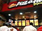 promo-pizza-hut-hari-ini-25-agustus-2021-promo-terbatas-gratis-2-minuman-beli-pizza-merah-putih.jpg