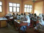 proses-belajar-mengajar-di-sman-1-sambas_20161128_170744.jpg