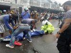proses-evakuasi-korban-laka-lantas-di-jalan-s-parman-ketapang.jpg
