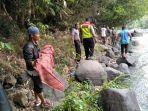 proses-evakuasi-penemuan-jasad-anak-di-sungai-cimandiri-nyalindung-sukabumi.jpg