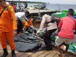 proses-evakuasi-seorang-nelayan-yang-telah-lebih-dari-sepekan.jpg
