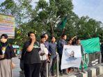 puluhan-massa-aksi-bela-muslim-uyghur-di-gelar-hmi-komisariat-syariah-cabang-pontianak.jpg