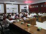 rapat-panitia-hari-ulang-tahun-hut-kemerdekaan-republik-indonesia-ke-74-di-sanggau.jpg