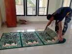 satgas-tmmd-yang-beragama-nasrani-saat-membersihkan-masjid-153.jpg