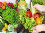 sayur-dan-buah-adalah-jenis-makanan-yang-banyak-mengandung.jpg