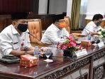 silaturahmi-sekda-kabupaten-mempawah-ismail-bersama15-calon-pegawai-negeri-sipil.jpg