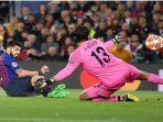 suarez-mencetak-gol-pada-semifinal-leg-1.jpg