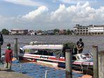 suasana-dermaga-di-pelabuhan-kapuas-indah-pontianak-1.jpg