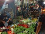 suasana-di-pasar-beringin-kota-singkawang-selasa-23-maret-2021.jpg