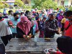 suasana-pengambilan-paket-pasar-murah-di-kecamatan-singkawang-tengah-342.jpg