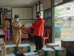 suasana-penyerahan-bantuan-dari-palang-merah-indonesia-53.jpg