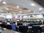 suasana-saat-seminar-nasional-berlangsung-di-ruang-sidang-lantai-3.jpg