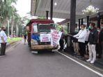 sutarmidji-melepaskan-truk-kebaikan-relawan.jpg
