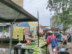 transaksi-jual-beli-di-pasar-sore-sungai-raya-dalam.jpg