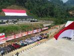 upacara-hut-ri-ke-74-di-wilayah-perbatasan-indonesia-yang-ada-di-entikong-kalbar.jpg