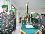 upacara-serah-terima-jabatan-komandan-korem-danrem-121abw.jpg