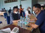 vaksinasi-untuk-civitas-akademika-dan-warga-di-kampus-ikip-pgri-pontianak.jpg