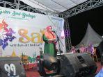 wakil-bupati-sambas-hj-hairiah-saat-membuka-kegiatan-festival-art-sambas.jpg