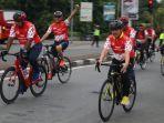 wakil-gubernur-ria-norsan-saat-menunggangi-sepeda.jpg