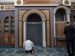 warga-muslim-yunani-beribadah-di-bangunan-masjid-resmi.jpg