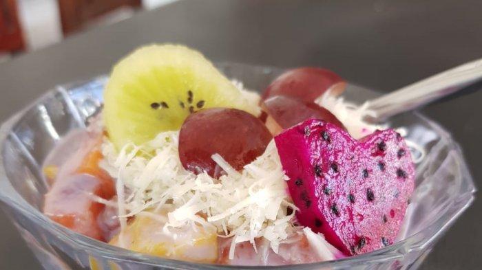 Nikmatnya Salad Buah Rasa Taro di Andanar Fruit Cafe