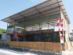 Cari Coto Makassar di Kupang? Mampir Tirosa Cafe and Resto Saja!