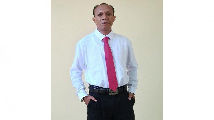 Aloysius Luis Baun alias Frater M Paschalis BHK Kepala Sekolah SMA Katolik Frater Maumere