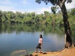Danau Wee Wini berada di Desa Kalaki Kambe, Kecamatan Wewewa Barat, Provinsi Nusa Tenggara Timur ( NTT ), Indonesia.