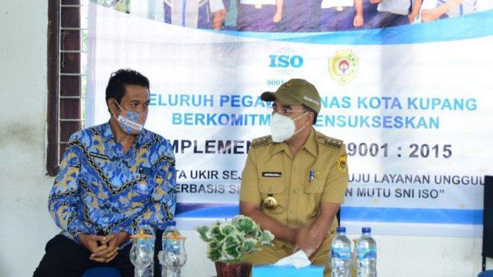 Darius Beda Daton, SH Kepala Perwakilan Ombudsman NTT bersama Walikota Kupang, Jefri Riwu Kore.