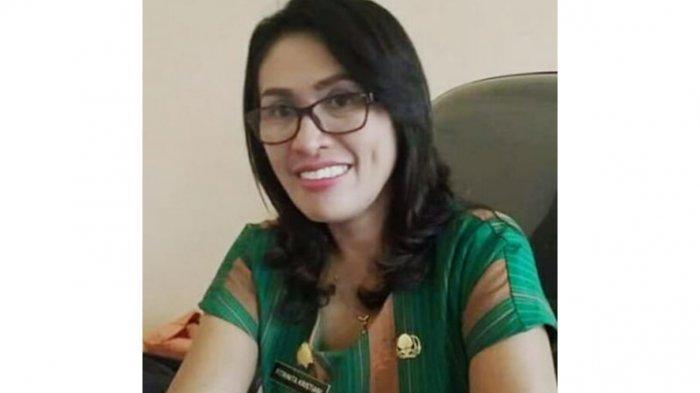 Biodata Fitrinita Kristiani Kepala Dinas PMD Kabupaten Sikka