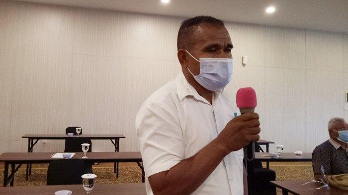 Ishak Zet Tode, Sekdes Oebelo di Kabupaten Kupang, Provinsi NTT, Indonesia