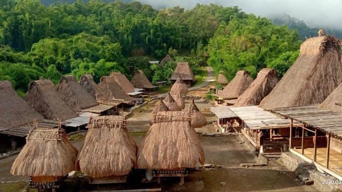 Kampung Adat Bena yang ada di Kabuaten Ngada, Provinsi Nusa Tenggara Timur ( NTT ), Indonesia